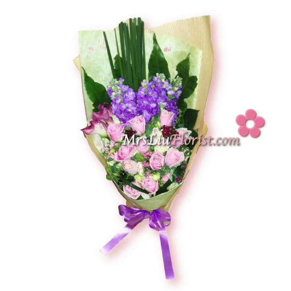 RB09-12支紫玫瑰+紫馬蹄蘭花束-1